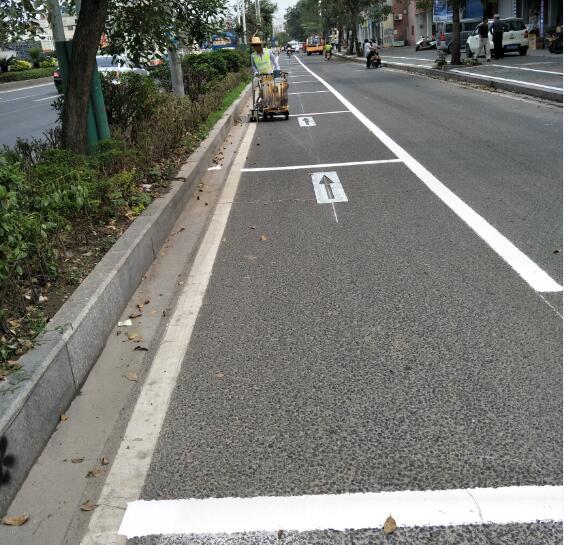 道路划线现场图-- 惠州市强路交通工程有限公司
