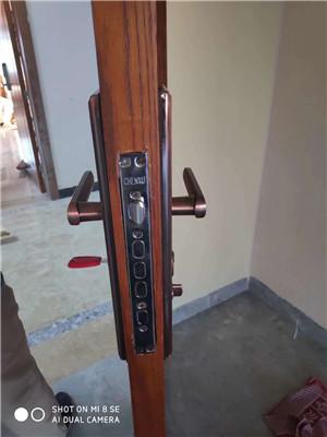 单县开锁公司电话高韦庄镇附近开锁换锁-- 单县赵师开锁行