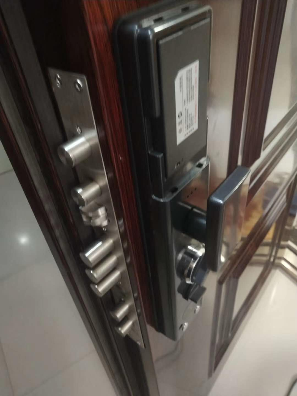 没有钥匙要怎么开房间的门锁-- 巫溪县天天开锁店