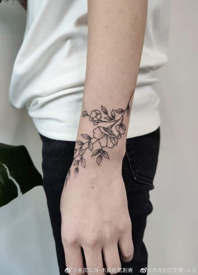 洗纹身真心不用怕,重庆木良拾贰刺青告诉您几个小常识-- 重庆木良拾贰刺青